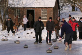 Picture of curling on Drumore Pond, 10 January 2010, 22KB